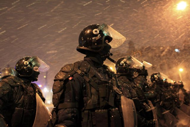 FBI vine in Romania sa-i invete pe jandarmi cum pot fi controlate multimile!