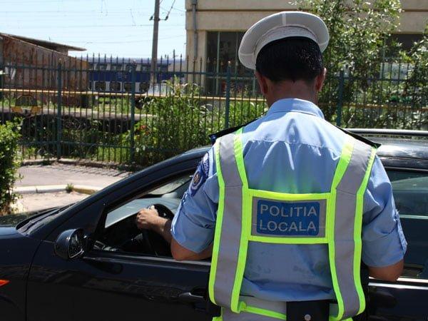 Culmea betiei in Capitala! A calcat politistul care dirija circulatia si nu avea nici permis!