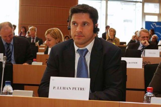 Propunerea unui europarlamentar PDL: Sucurile carbogazoase sa fie vandute precum tigarile sau alcoolul!
