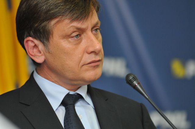 Crin Antonescu vrea sa desfiinteze sectoarele Capitalei!