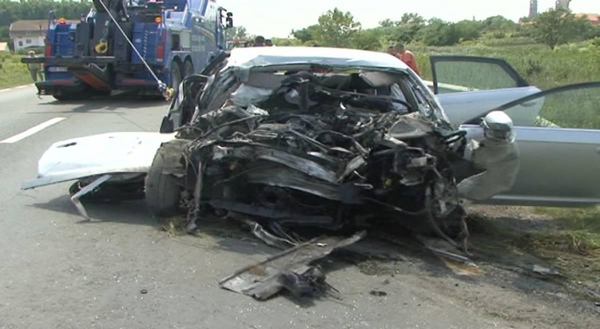 O femeie a murit si trei persoane au fost ranite intr-un accident grav dintre Craiova si Caracal!