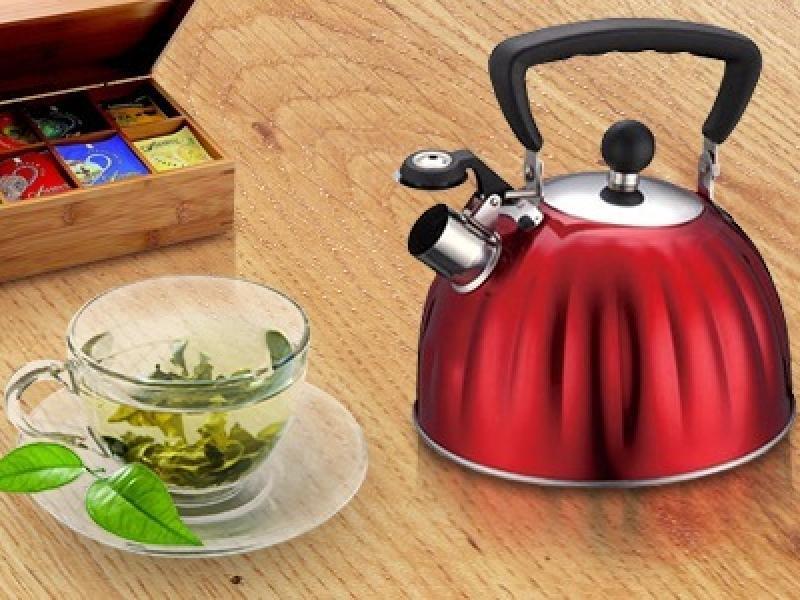 Te-ai intrebat de ce fluiera ceainicele! Exista o explicatie… STIINTIFICA!