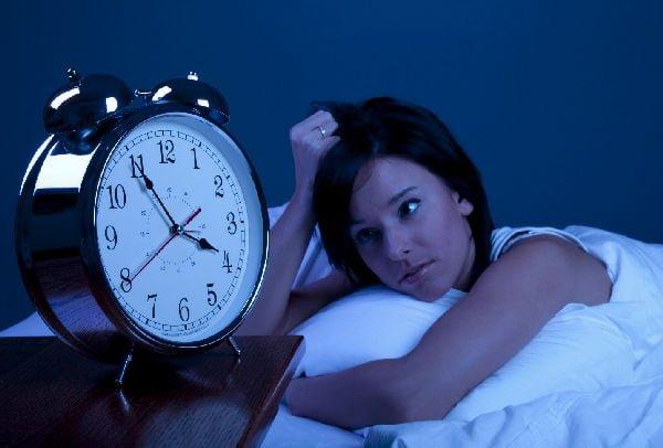 Nu dormi suficient? Esti inconstient de RISCURILE la care te expui!