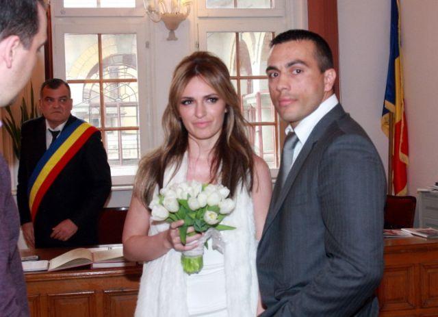 PERCHEZITII la casa Mariei Marinescu! Sotul ei este suspectat de trafic de droguri!