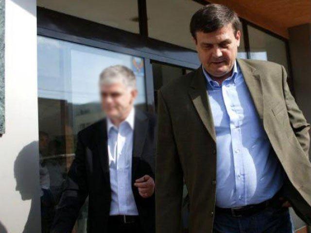 Marin Condescu se lauda ca are pile la Basescu si Ponta!