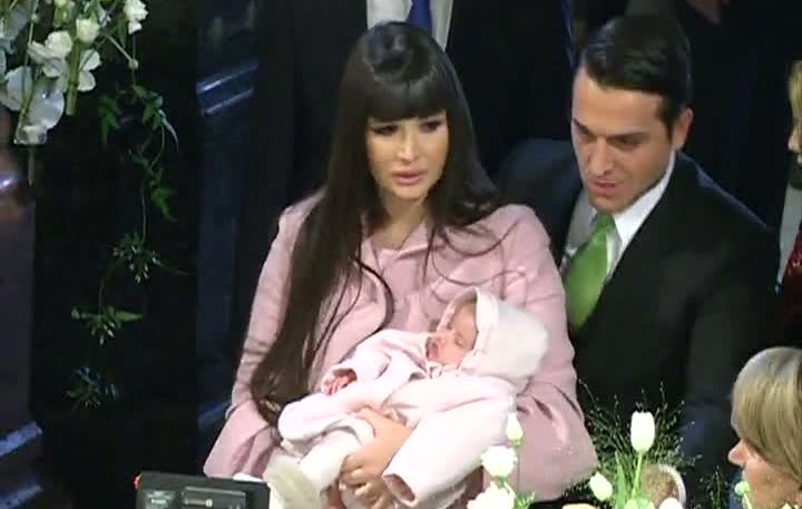 Nepoata lui Traian Basescu, Sofia Anais, a fost botezata!
