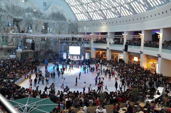 Asta este dimensiunea SARACIEI in Romania: Retailerii din AFI Cotroceni au vanzari cu peste 5% mai mari decat anul trecut!