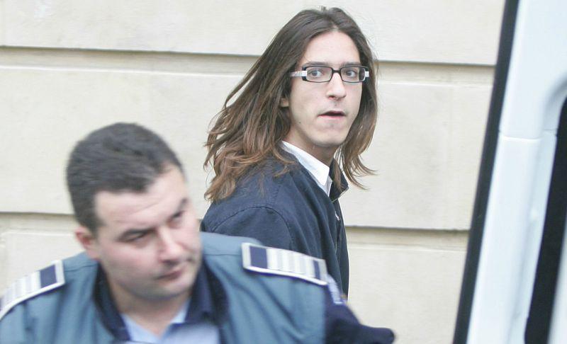 Fiul fostului senator Sorina Placinta, Andrei s-a predat la Politia Timis pentru a-si ispasi pedeapsa de patru ani si jumatate!