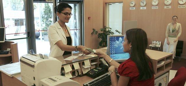 """Ratele in EURO vor scadea! Ilie Serbanescu: """"In Romania, bancile au un comportament de camatari""""!"""