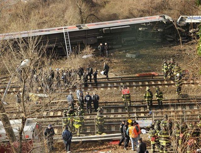 Accident feroviar la New York, patru persoane au murit iar alte 67 sunt ranite! VIDEO