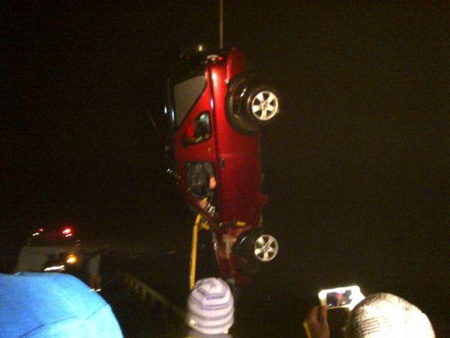 TRAGEDIE in Cernavoda: Sase persoane, intre care trei copii au murit dupa ce au CAZUT cu masina in Dunare!