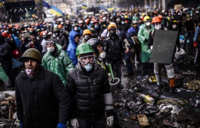 Viktor Ianukovici a PARASIT Kievul! Manifestantii au preluat controlul sediului presedintiei!