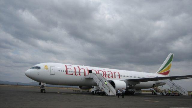 Un avion cu 200 de pasageri A FOST DETURNAT catre Geneva! Autorul deturnarii: COPILOTUL!