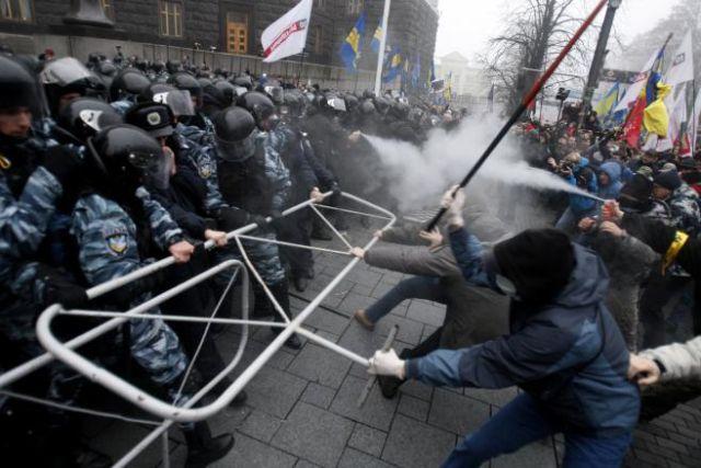 EVENIMENTELE din UCRAINA: Vezi HARTA luptelor de strada din KIEV! Live VIDEO