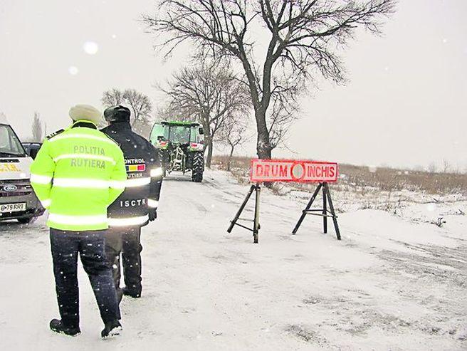 Circulatia rutiera este inchisa pe tronsoane din A2 si 10 drumuri nationale! Vezi LISTA