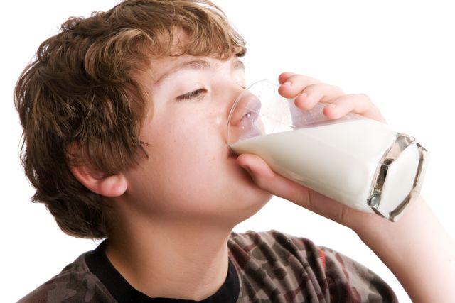 Zece EFECTE NOCIVE ale laptelui din zilele noastre!