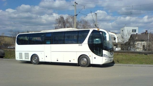 Un turist polonez s-a sinucis dupa ce a atacat soferii unui autocar care trecea prin judetul Hunedoara!