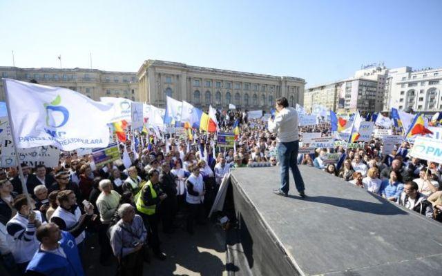 MITING al PMP in Capitala Peste 8.000 de persoane PROTESTEAZA impotriva ACCIZEI la CARBURANTI!