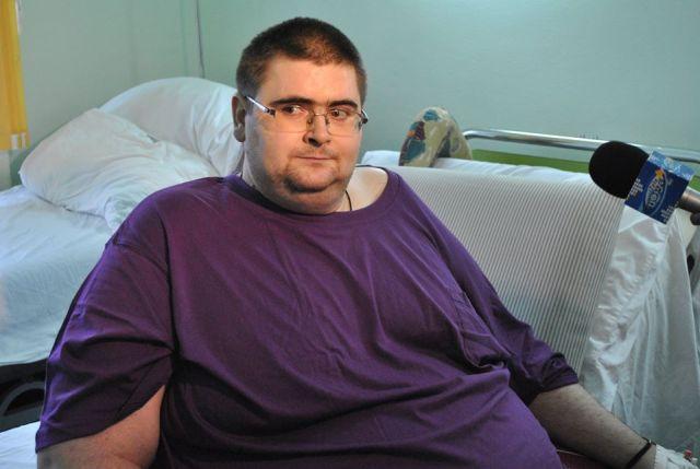 Romanul care cantarea 300 de kilograme a murit inainte de a fi operat!