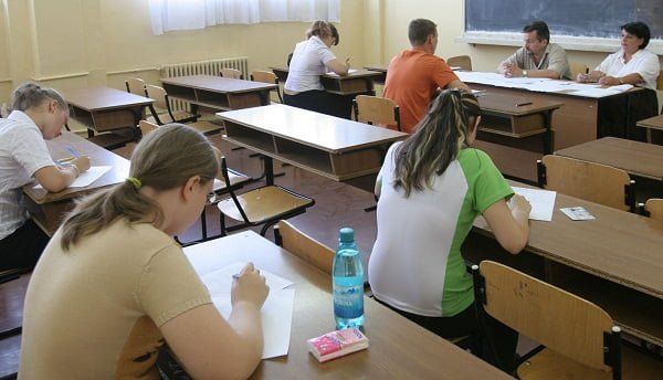 DEZASTRU la simularea examenului de BACALAUREAT! Peste 57% dintre elevi ar pica examenul daca s-ar da maine!