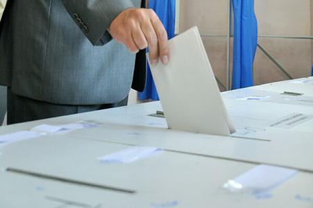 EUROPARLAMENTARE: USD ar obtine 40,4% din voturi, PNL 17,6%! Vezi cum arata SONDAJUL