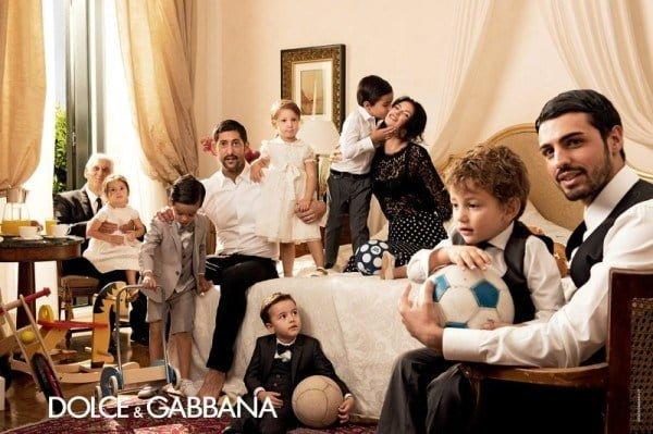Te pregatesti de vara? Uite colectia Dolce&Gabanna primavara-vara 2014!