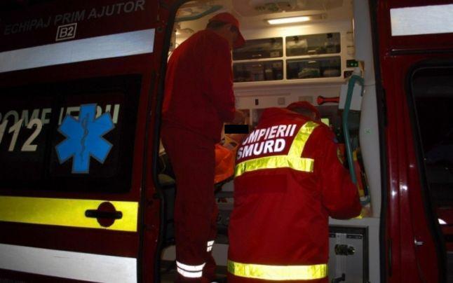 ACCIDENT GRAV in OLT: Doua masini s-au ciocnit! O persoana si-a pierdut viata, iar alte opt au fost ranite!