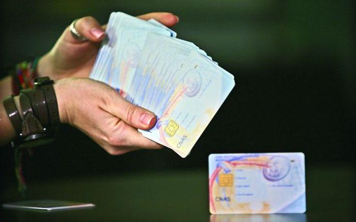 Ministerul Sanatatii va distribui CARDURILE NATIONALE de sanatate prin posta!