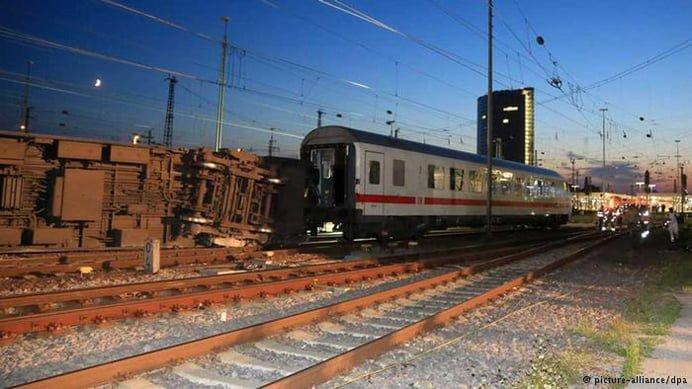 Accident feroviar: 12 persoane au fost ranite in Germania