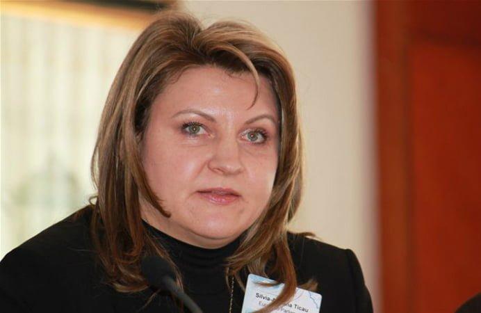 Adriana Ticau, la DNA! Fostul ministru al Comunicatiilor si Tehnologiei Informatiei este si ea audiata in dosarul Microsoft!
