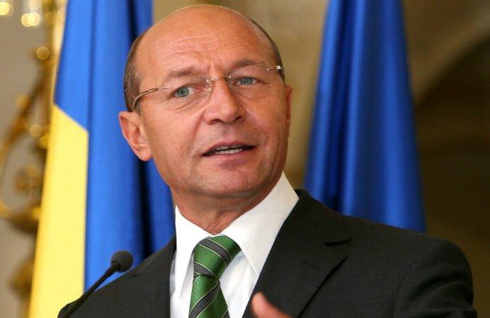 Serviciile secrete, implicate in campanie! Basescu a declarat ca va avea o discutie cu acestea luni dupa primul tur