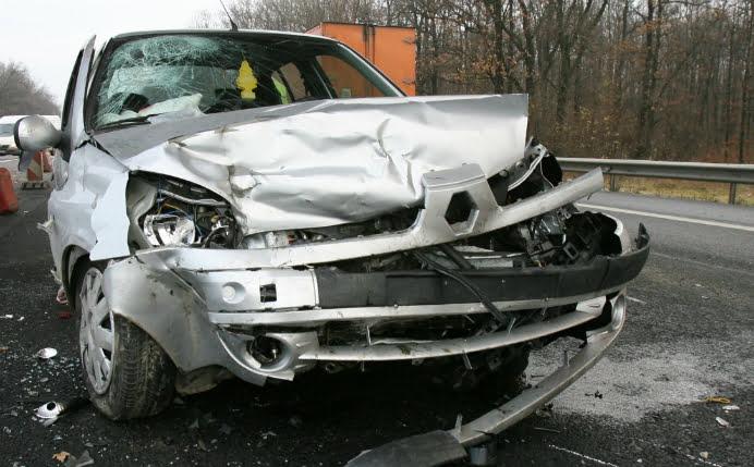 CARAMBOL LA DELFINARIU! 5 masini s-au ciocnit in doua accidente succesive! Printre acestea se numara si una a Politiei!