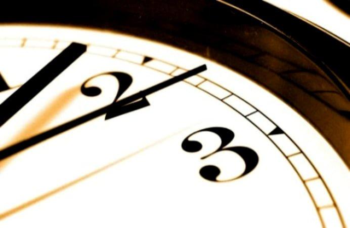 TRECEM LA ORA DE IARNA IN ACEASTA NOAPTE! Dam ceasul cu o ora inapoi