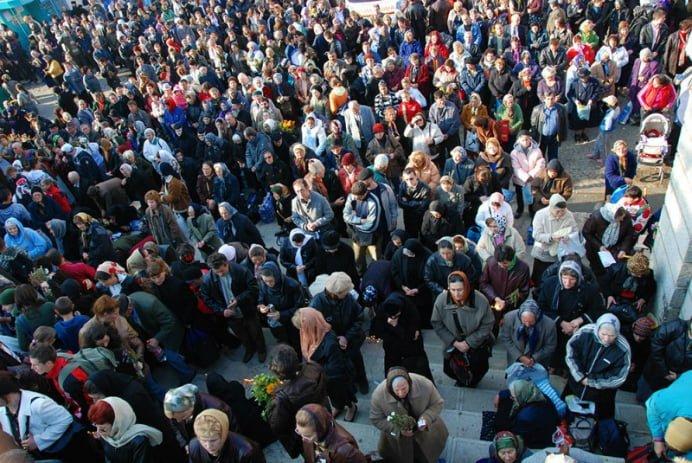 Tragedie la Iasi! O femeie de 61 de ani a murit în timp ce era la coada la moastele Sfintei Cuvioase Parascheva