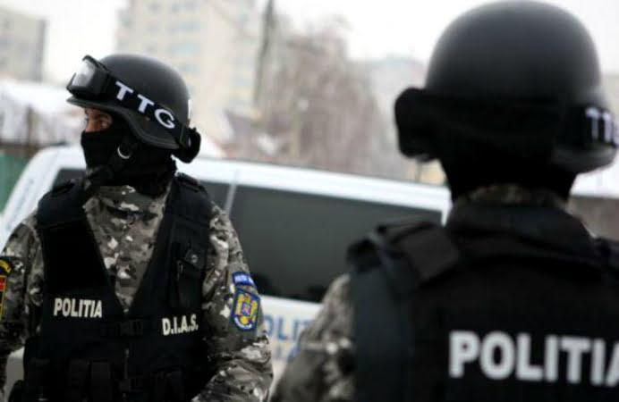 Perchezitii DIICOT la o retea de eliberare de retete ilegale din Satu Mare