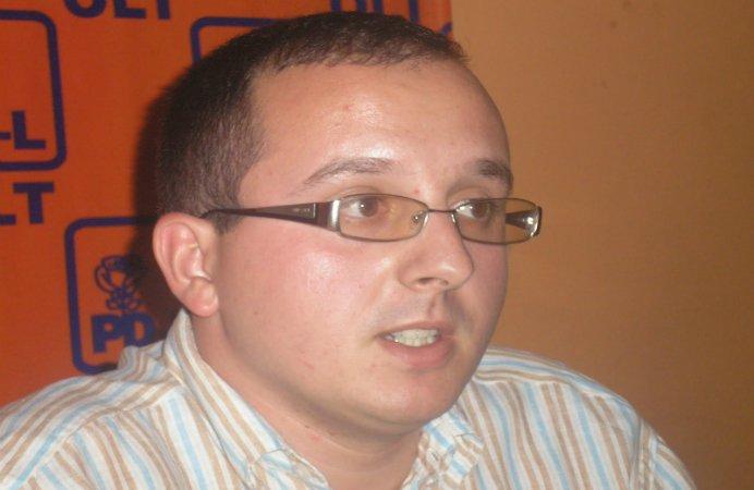 ALEGERI CU TENSIUNI IN OLT! Deputatul PSD Daniel Barbulescu ameninta primarii prin SMS ca NU EXISTA LEGE care sa actioneze duminica!