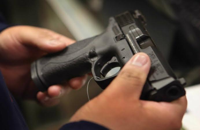 TRAGEDIE IN CLEVELAND! Un pusti de 12 ani, inarmat cu un pistol de jucarie, a fost ucis de politisti! VEZI VIDEO