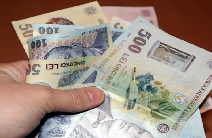 VESTEA ANULUI PENTRU BUGETARI: Salariile cresc cu pana la 70 de procente!