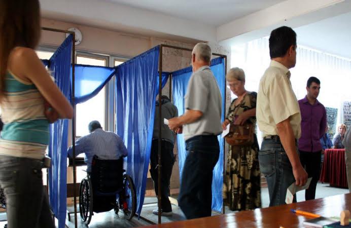Mergi la vot? Uite cum arata buletinul de vot din turul II!