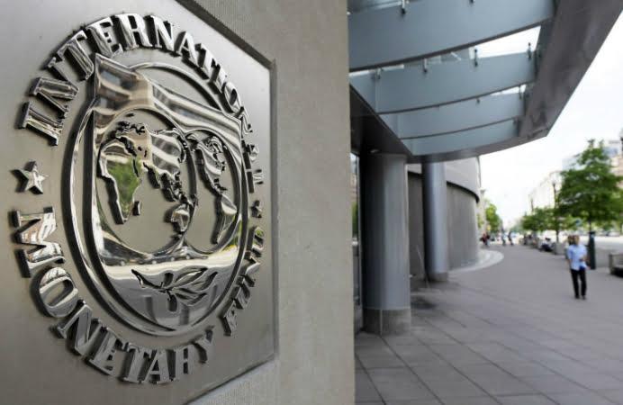 Economia romaneasca, ingenunchiata de decizia FMI!
