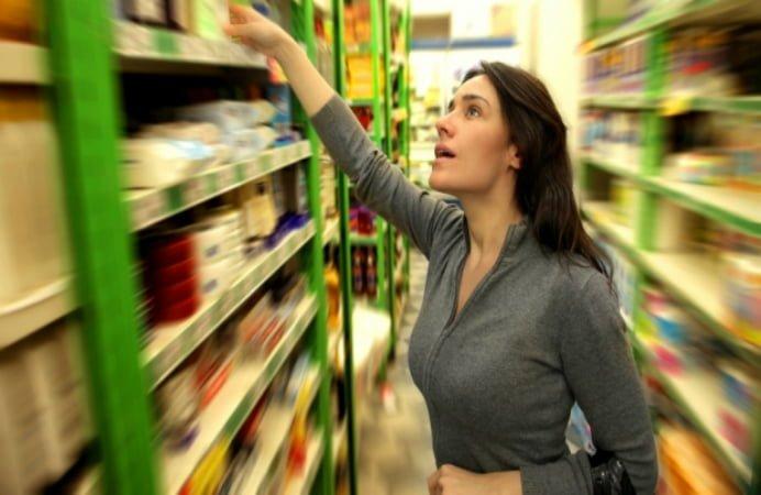 Etichetele alimentelor vandute in supermarketuri, schimbate! Ce informatii vor aparea pe acestea