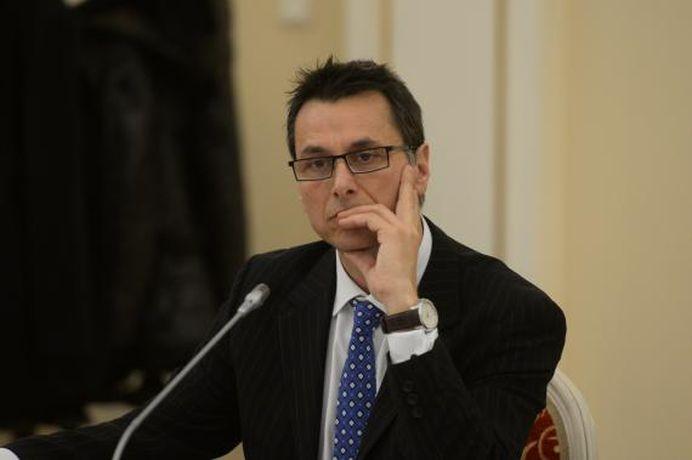 VIDEO Ministru in cabinetul Ponta filmat in SCENE SENZUALE cu Laura Cosoi!