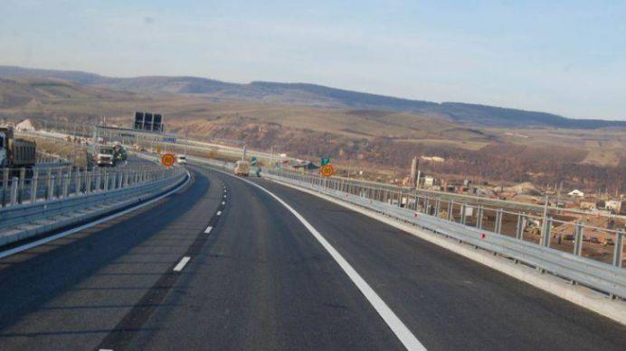 Un fost ministru cere OPRIREA TRAFICULUI pe autostrada Sibiu-Sebes! Soferii sunt IN PERICOL!