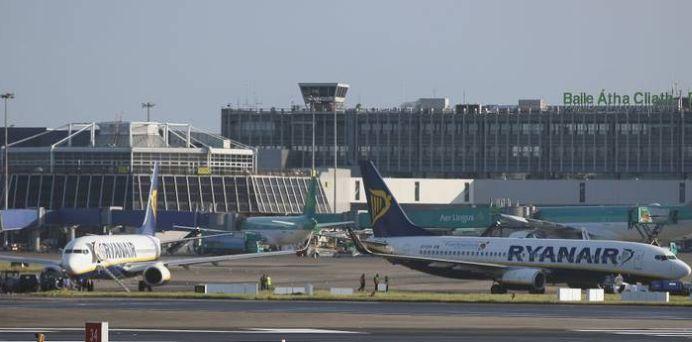 Incident la DECOLARE! Doua avioane S-AU CIOCNIT pe pista aeroportului din Dublin!