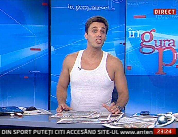 """Mircea Badea JIGNESTE milioane de romani: """"Sunt un erou. Îi trimit bani lu' mama în ţară! Hai SIKTIR!"""""""