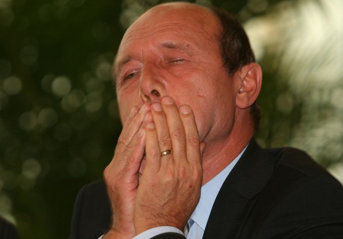 Mesajul unuia dintre CEI MAI BOGATI ROMANI pentru Basescu: Tu cand vii la puscarie?!