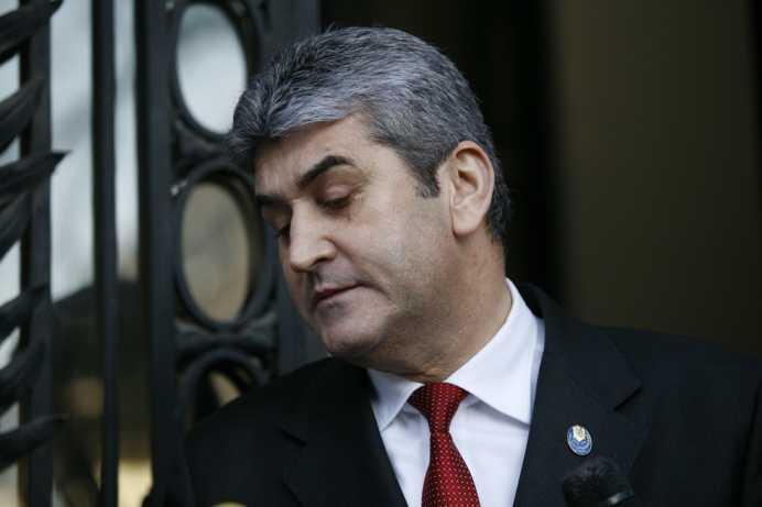 VIDEO INCREDIBIL! Noul premier al Romaniei a fost bodyguard-ul lui Miron Cozma!