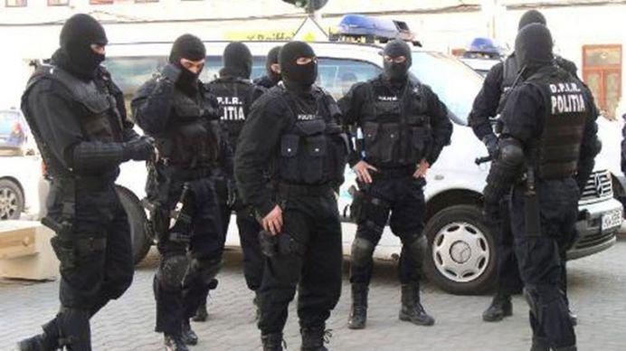 ALERTA terorista in Romania in ziua de Revelion! Agenti sub acoperire SE VOR INFILTRA la marile petreceri!
