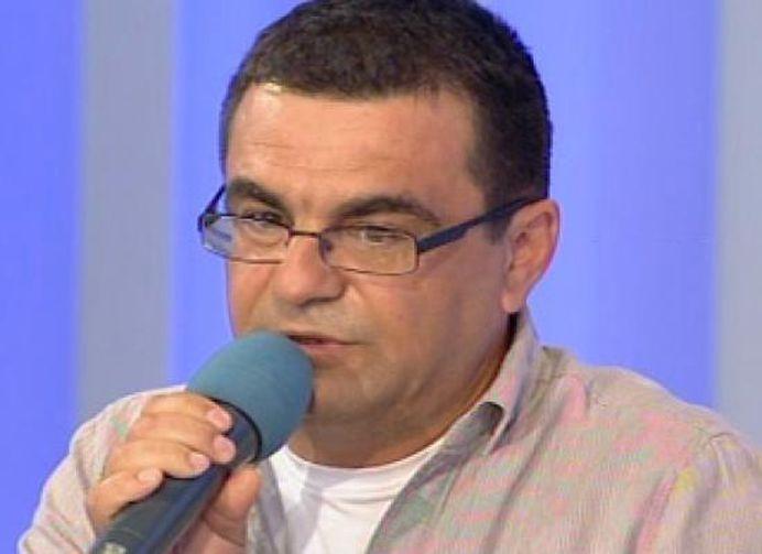 Mihai Margineanu MATURA pe jos cu Mircea Badea: Te-ai inrait si ti-ai acrit sufletul de dragul unui pumn de arginti!
