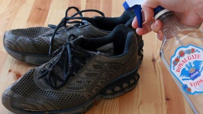 Ce se intampla daca pulverizezi VOTCA pe pantofi!?